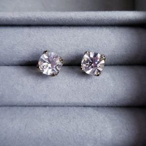 Round clear stud earrings